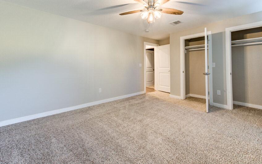 1040 W Craig Pl San Antonio, TX 78201